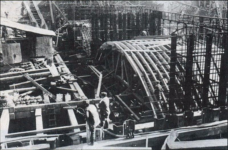以明挖回填方式进行露天施工的梅田站