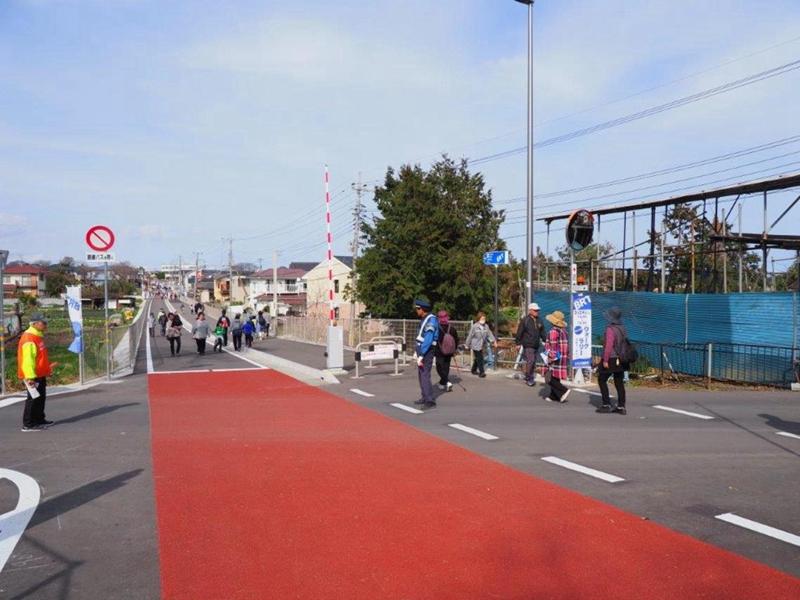原日立电铁已废弃线路改造的BRT专用道上,面向公众举办的开放日活动