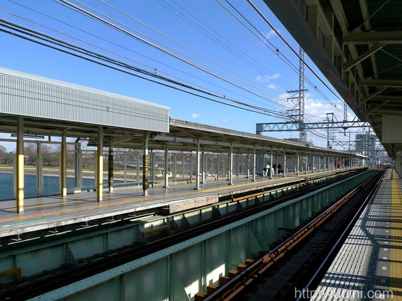 从尼崎市(大阪)一侧远眺西宫市(神户)一侧
