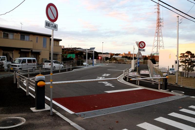 一处典型的日立市BRT与普通市政道路的平交道口